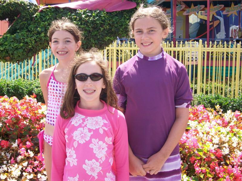 Aug 31, 2009 - Amy, Ruth, and Hannah